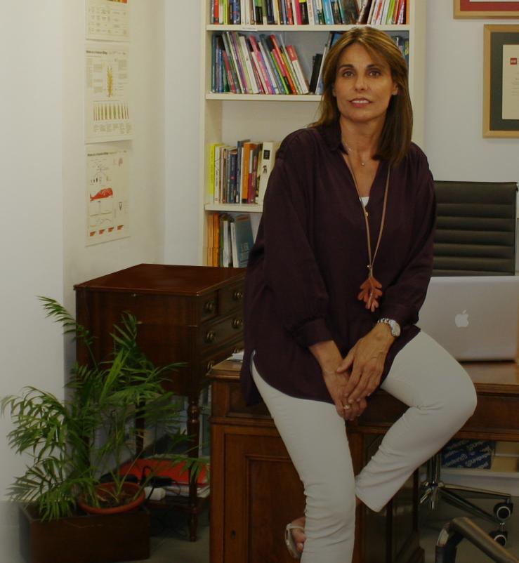 Paloma Ruiz-Mateos en su consultoria de matrimonio y familia